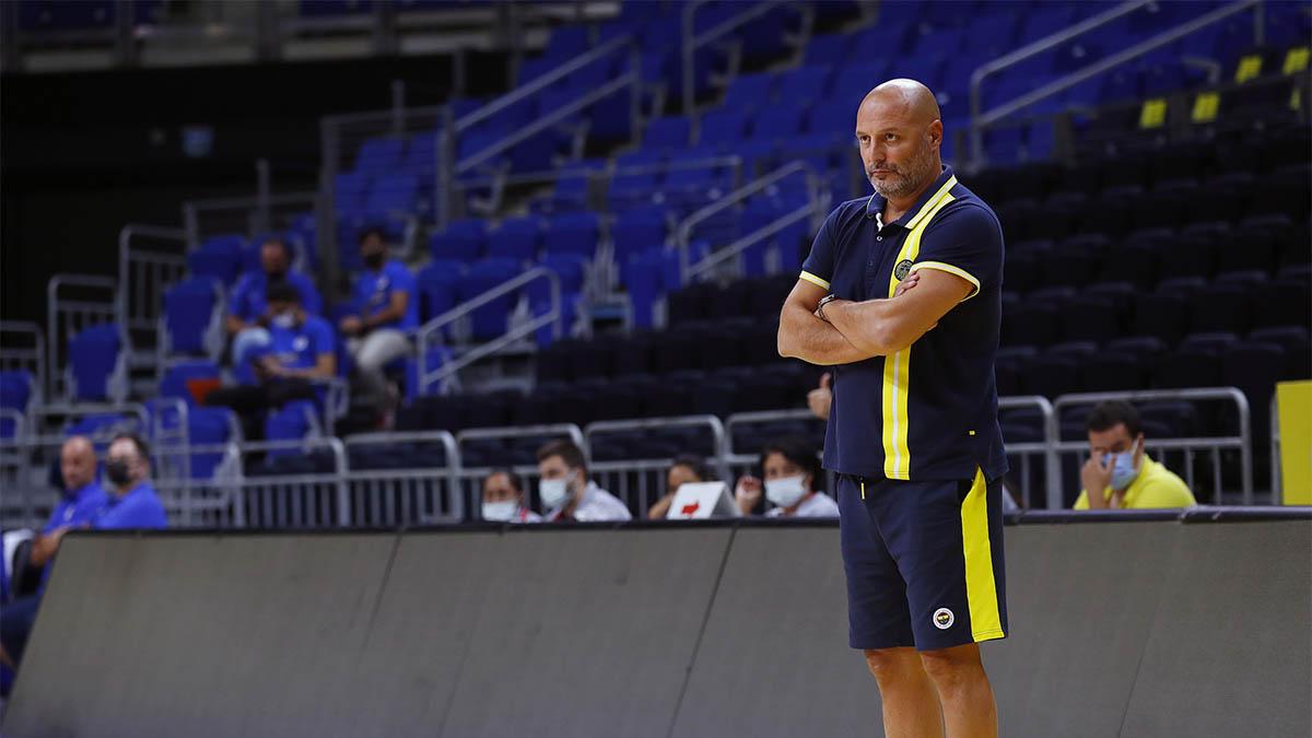 Başantrenörümüz Aleksandar Djordjevic: Oyuncularım omuzlarıma basarak yıldızlara ulaşan kişiler olsun istiyorum - Fenerbahçe Spor Kulübü