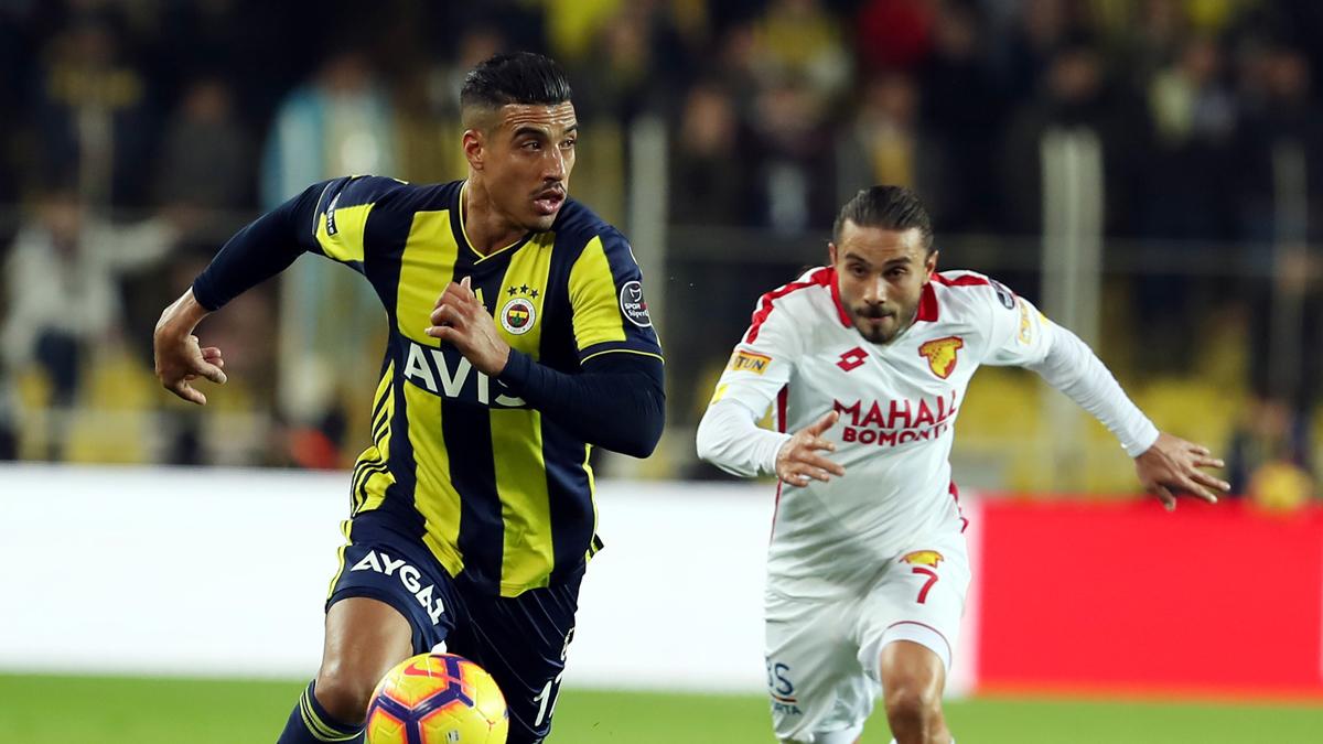 Fenerbahçe Transfer ! Fenerbahçe'De O Oyuncuyla Yollar Ayrılıyor !